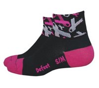 Defeet Aireator Pink Ribbon - Breast Cancer Edition